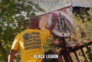 """T-Shirt von """"Black Legion""""; Motiv: """"Ein Mann ist nur ..."""""""
